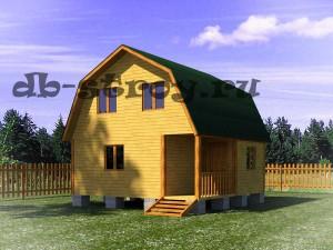 Вид деревянного дома со стороны входа