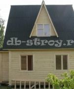 дом с эркером и с кукушками